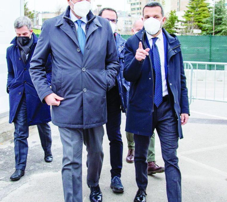 Il presidente della Regione, Vito Bardi, a Potenza  con il dg dell'Azienda sanitaria provinciale Lorenzo Bochicchio