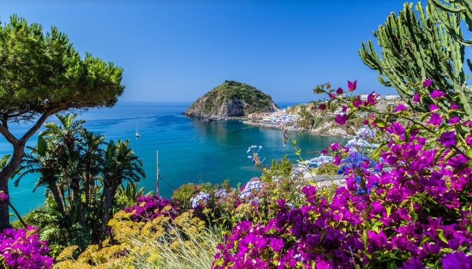 Vaccini: l'annuncio di De Luca, Ischia isola Covid free