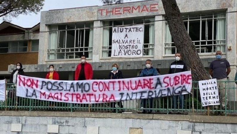Lavoratori Terme Luigiane, la protesta si sposta alla Cittadella regionale