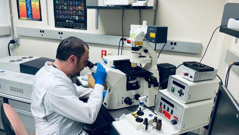 Lo scienziato lucano premiato per un'importante scoperta sull'Alzheimer