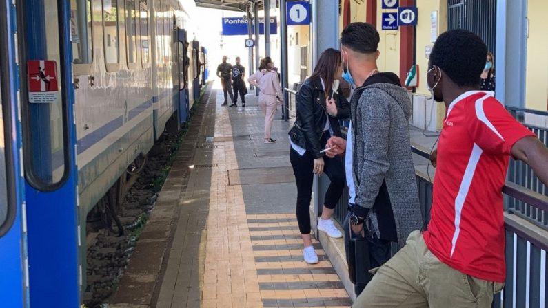 Traffico ferroviario in tilt per un guasto nel Salernitano: ritardi di oltre un'ora e treni cancellati