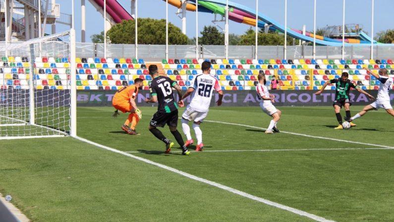 Serie B, amara retrocessione per il Cosenza. La Reggina chiude con una pesante sconfitta