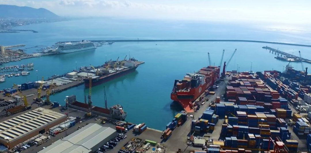 Porto di Salerno, sequestrati 65 kg di cocaina pura