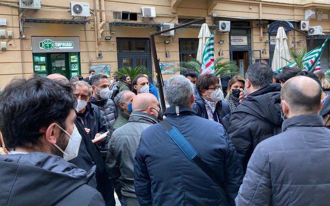 La manifestazione di protesta dei borsisti della Campania