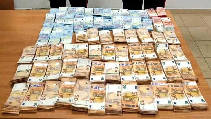 Sequestrati 300mila euro in contanti nel Reggino, tre denunce per riciclaggio. Indagini sulla provenienza