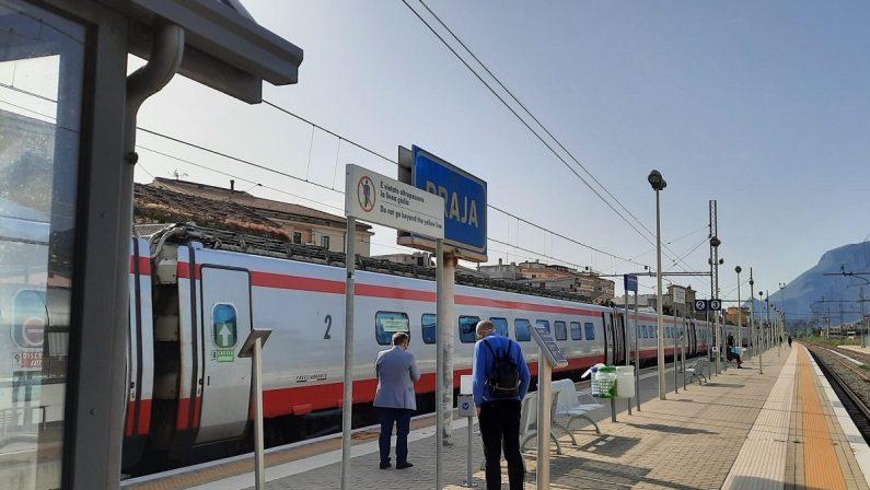 Guasto alla linea ferroviaria Paola-Salerno, almeno tre ore di ritardo e treni cancellati