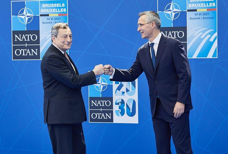"""Nato, Draghi """"Vertice per riaffermare alleanza con Usa"""""""