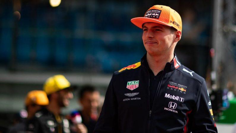 Formula 1, Verstappen conquista la pole in Francia davanti a Hamilton, Sainz 5°