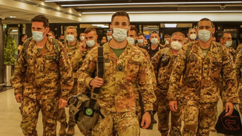 Conclusa la missione in Afghanistan, rientra l'ultimo militare italiano