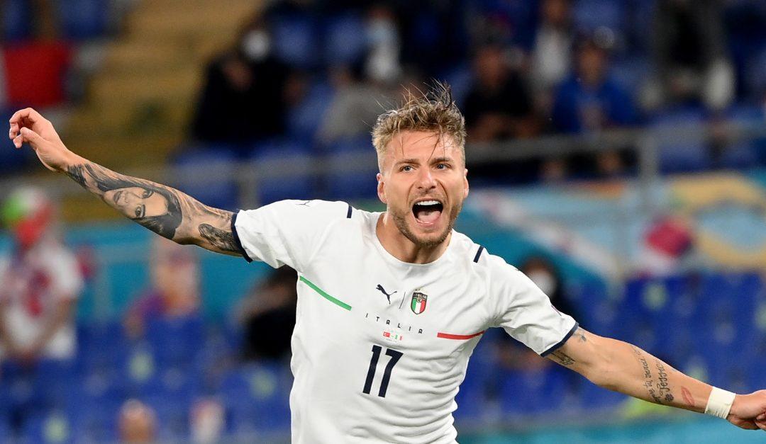Ciro Immobile esulta dopo il gol del 2-0