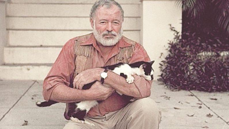 Ernest Hemingway, l'uomo che lesse i suoi necrologi