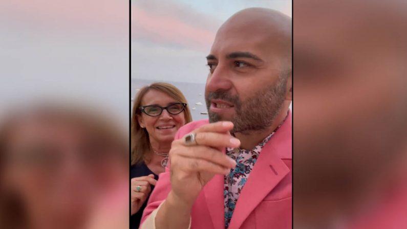 """VIDEO - Giuliano Sangiorgi a Maratea, il suo invito al ritorno di """"un cervello in fuga"""""""