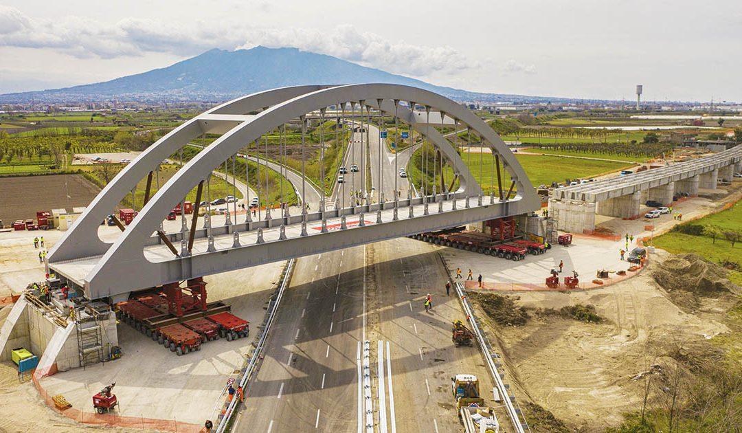 Il viadotto appena montato sulla tratta Napoli-Cancello