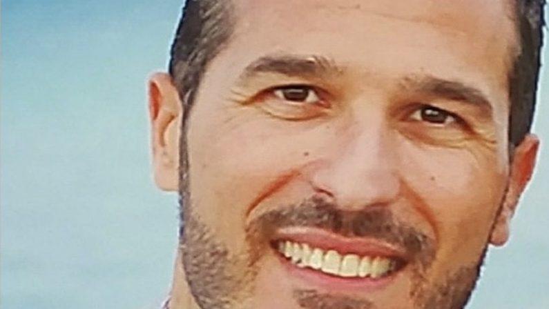 L'ex parroco adesso è un aspirante sindaco: la storia di Luigi Talarico