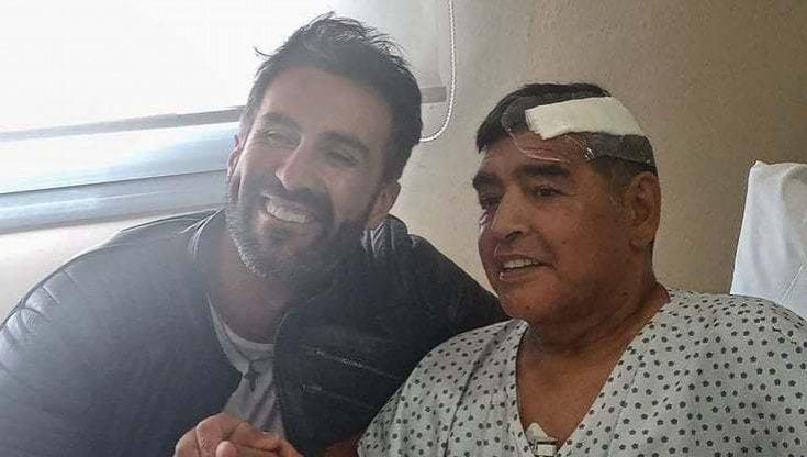 """L'infermiera rivela: """"Maradona è stato ucciso dai medici"""""""