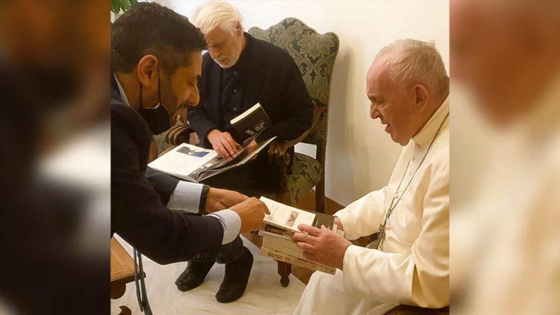 Quei libri calabresi donati a Papa Francesco