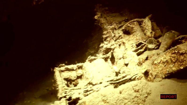 Le telecamere di Report alla scoperta della Laura C, la riserva di tritolo della 'ndrangheta