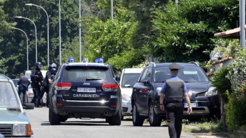 Tragedia ad Ardea, 35enne uccide un anziano e due bimbi e dopo si toglie la vita