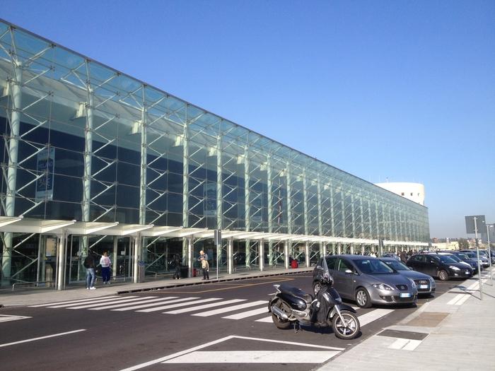 Problemi all'aereo Volotea, 50 napoletani bloccati all'aeroporto di Catania