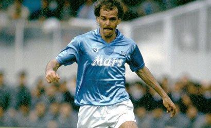 Alemão ha il Covid, l'ex centrocampista del Napoli di Maradona è in gravi condizioni