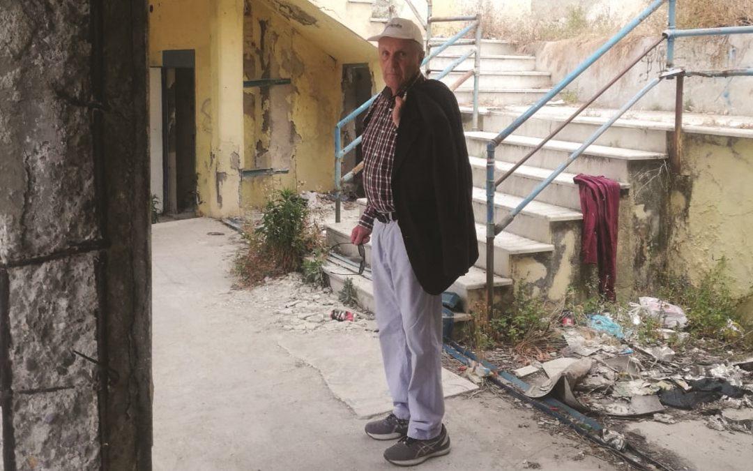 Il vicesindaco di Reggio Calabria, Antonino Perna, all'interno del Lido comunale