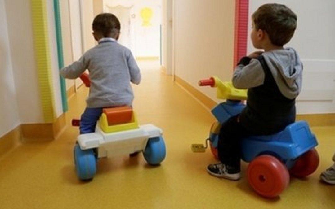 Bambini segregati per giorni in un asilo degli orrori nel Casertano: due arresti