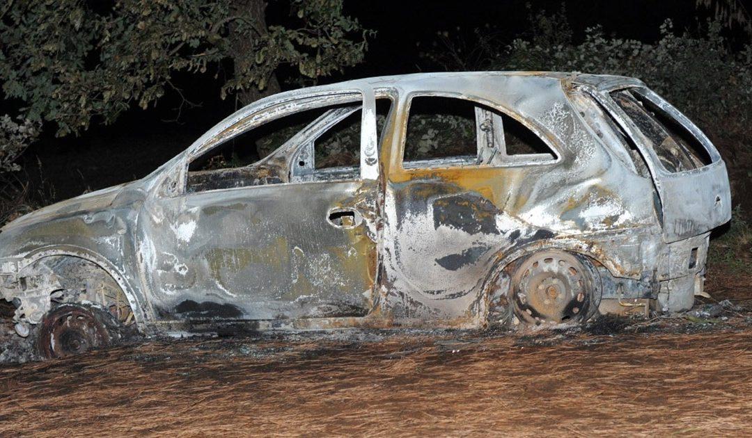 L'auto bruciata di Nicola Colloca