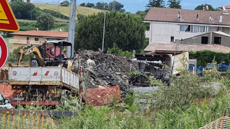Incendio nel cantiere del nuovo ospedale di Vibo, si indaga su possibile origine dolosa