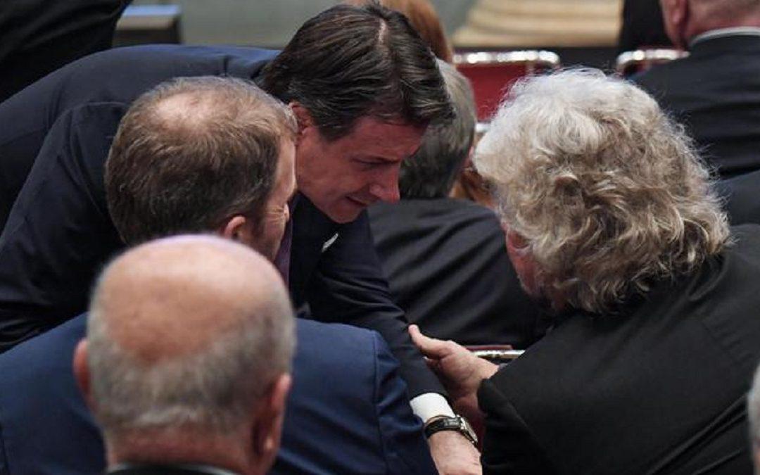 Giuseppe Conte con Grillo e Casaleggio