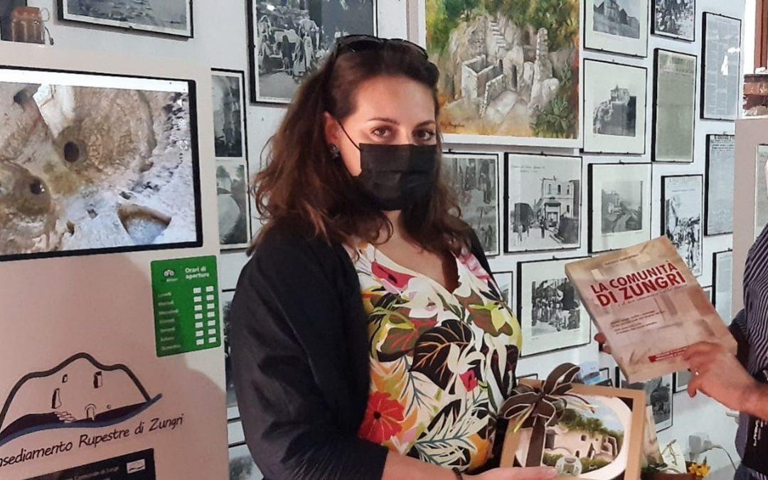 Il sottosegretario Nesci in visita all'insediamento rupestre di Zungri