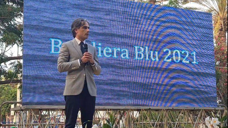 VIDEO - Siderno Bandiera blu, Falcomatà: «Orgoglio per l'intera Città metropolitana»