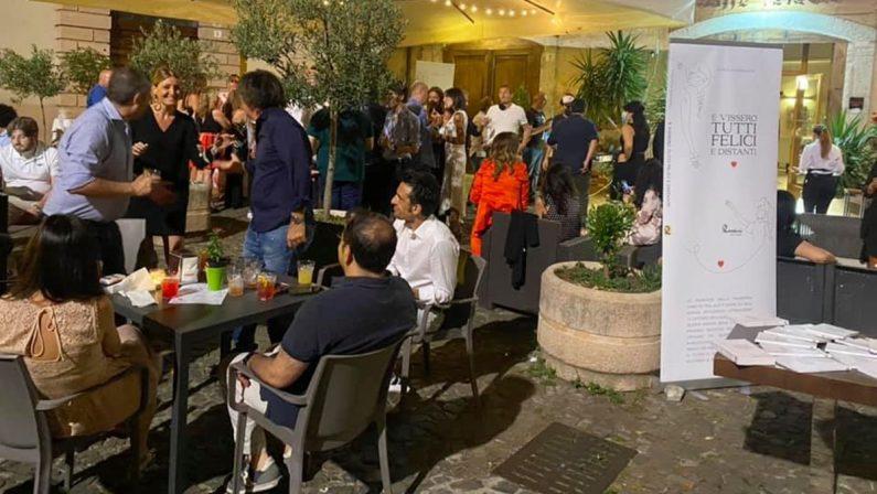 Zona bianca e riapre la Notte cosentina: la festa di Marcello Romanelli nel centro storico