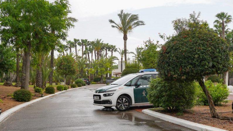 Un ferito grave dopo una sparatoria tra italiani a Ibiza, si costituisce il sospettato