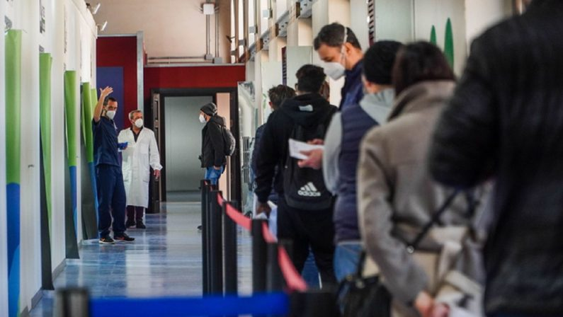Covid. L'Italia meglio del resto d'Europa, stiamo uscendo dalla pandemia