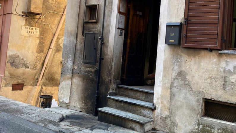 Cassano allo Ionio, incendiato lo studio del consigliere comunale Giuseppe Praino
