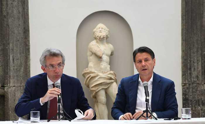 """L'ex premier Conte riparte da Napoli con il """"suo"""" Manfredi sindaco"""