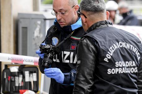 Raid ai quartieri Spagnoli di Napoli, 4 fermi. I due muratori feriti per errore