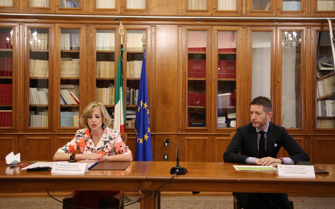 La firma con il prefetto Cucinotta e il presidente Rossi