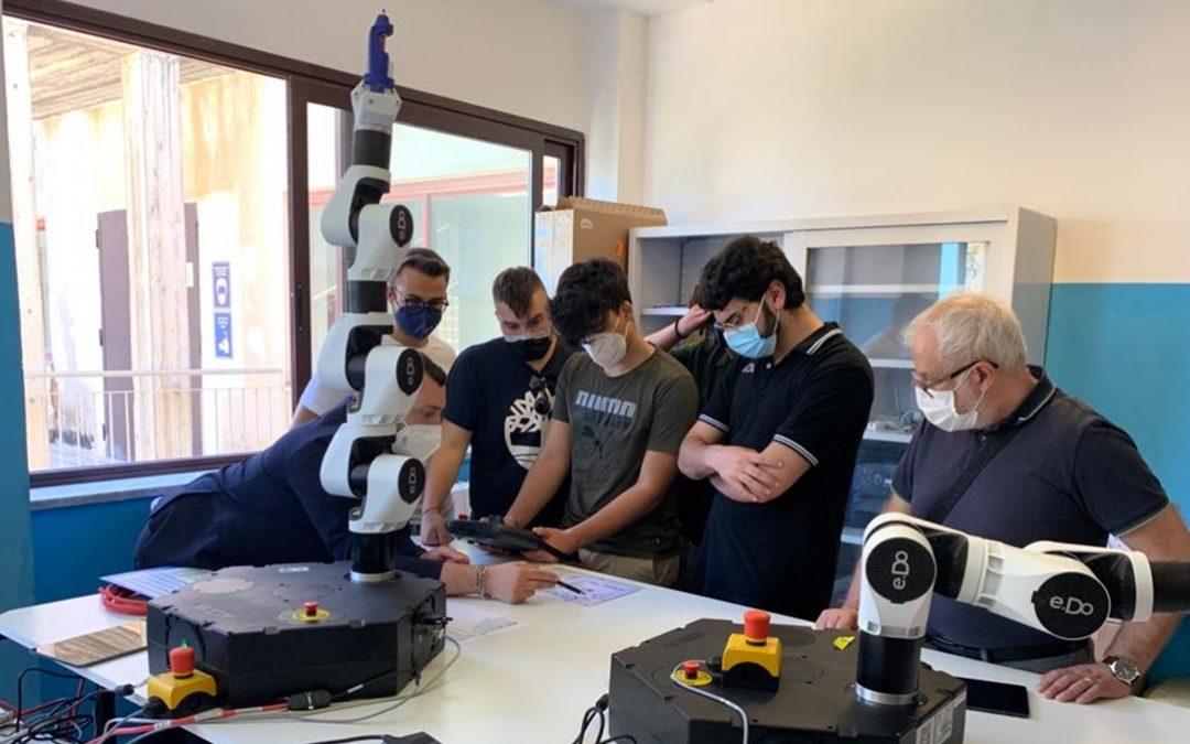 Studenti del corso di robotica