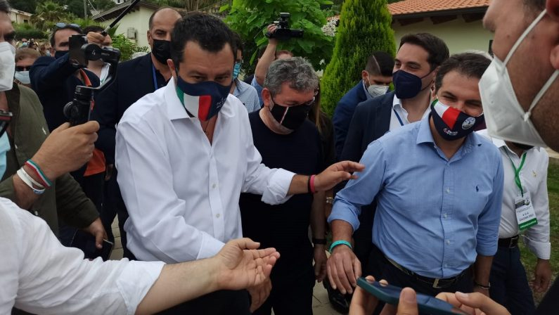 Stati Generali della Lega, Salvini: «Orgoglioso del lavoro di Spirlì, ma il candidato lo sceglie Forza Italia»