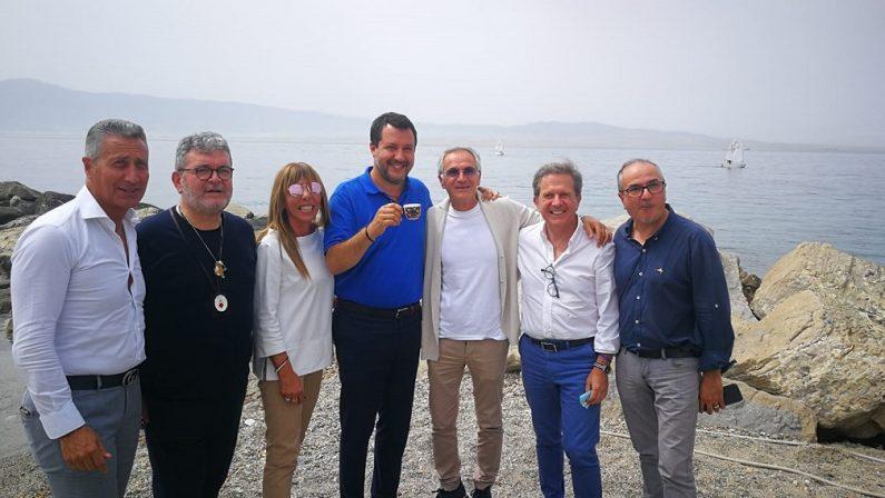 Lega, Salvini a Reggiorilancia il ponte sullo Stretto e annuncia: «Sarò in Calabria una volta a settimana» - FOTO