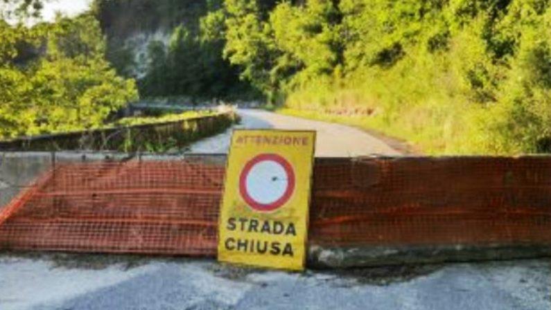 Maropati, la vergogna della strada provinciale chiusa da mesi per una frana