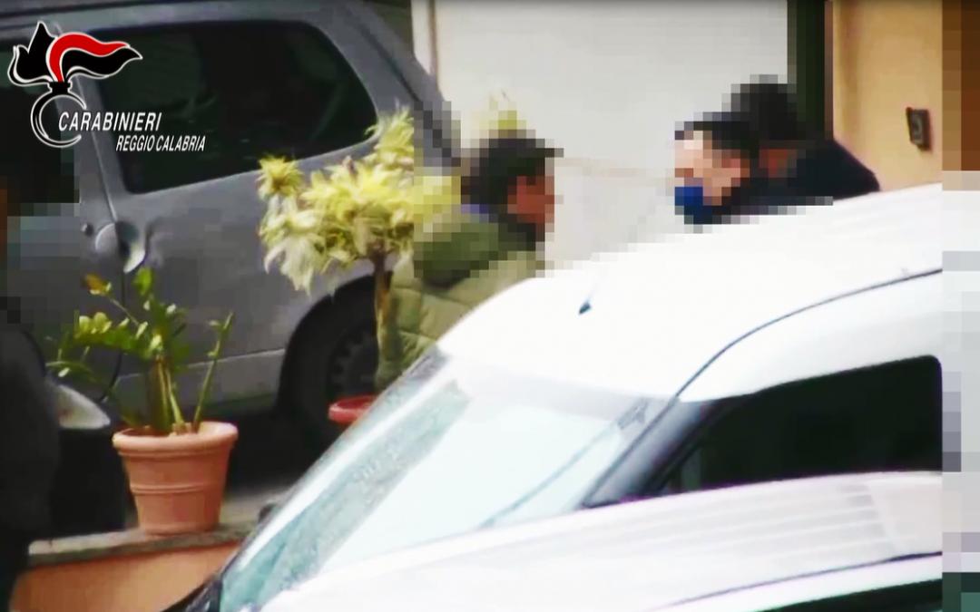 Alcuni degli indagati ripresi durante le indagini
