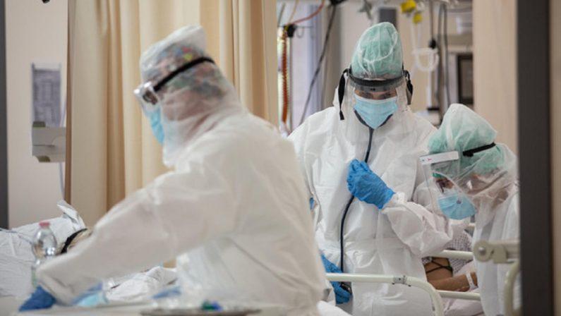 COVID: 233 casi tre ricoveri in terapia intensiva