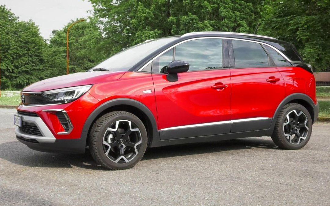 Spazio e versatilità per Crossland, il SUV di Opel
