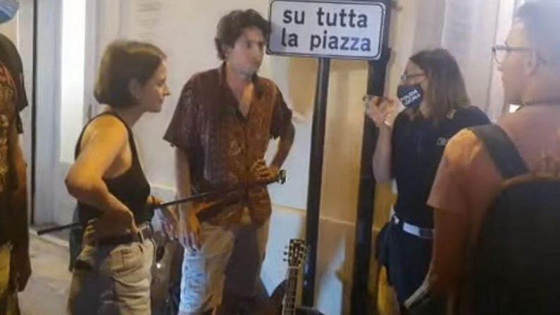 Artisti di strada cacciati da Tropea, l'Arci apre i circoli e si appella ai sindaci per la libera esibizione