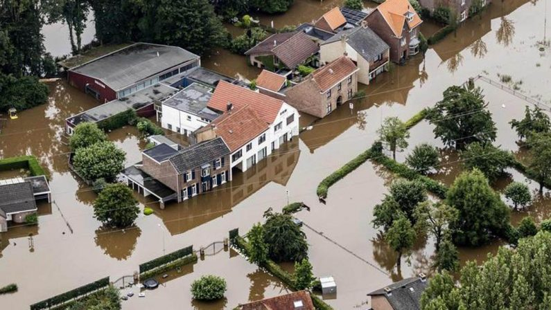 Il clima colpisce con eventi devastanti e i terreni non resistono alle bombe d'acqua