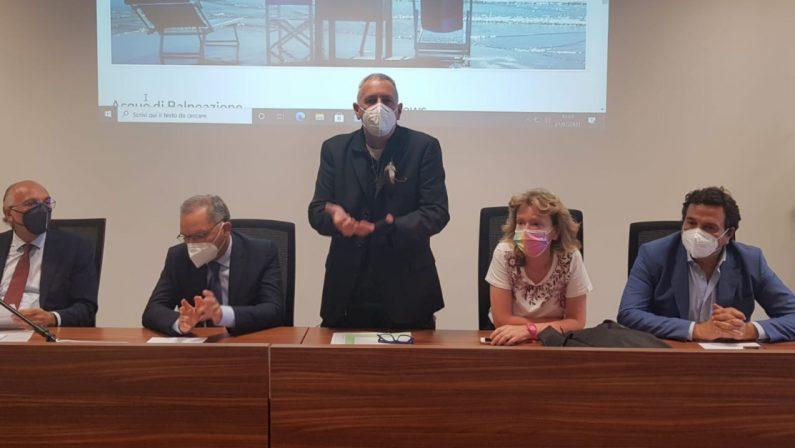 Inchiesta sulla depurazione, Orsomarso insiste: «Fioritura di alghe sul 6% delle nostre coste»