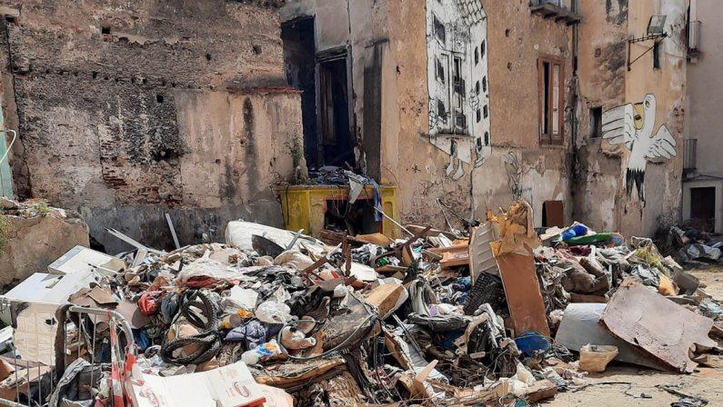 «Il centro storico è l'unico tesoro della città» ma continua a crollare, la denuncia di Paolo Palma