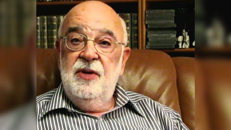 Addio al giornalista calabrese Franco Papitto, ex firma di Repubblica e fine intellettuale. Il ricordo